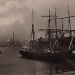 the docks 1910